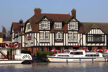 Norfolk Coast: £439 per person
